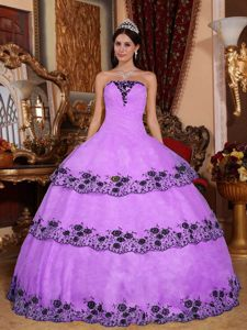 Custom Made Violet Sweet Sixteen Dresses with Black Appliques