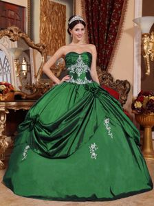 Sweetheart Green Dress for Quinceaneras with White Appliques