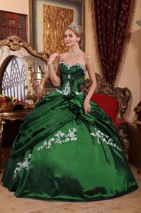 Taffeta Dark Green Quinceanera Gown with Appliques and Pick-ups