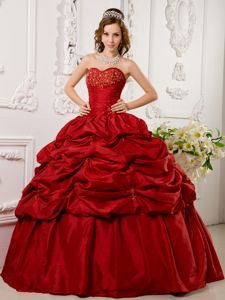 Red Sweetheart Floor-length Taffeta Appliques Quinceanera Dress