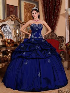 Full Skirt Royal Blue Quinceanera Dress with Embroidery Appliques
