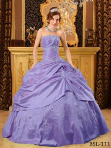 Trendy Purple Quinceanera Dress with Appliques Beading Full Skirt