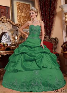 Sweetheart Embroidery Pick-ups Green Quinceanera Dress Discount