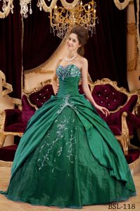 Green Appliques Ball Gown Quinceanera Dress Sweetheart Full Skirt