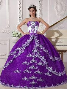 Fashionable Purple and White Organza Sweet 15 Dresses with Appliques Jersey Shore dress