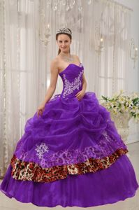 Appliqued Purple Organza Quinceanera Gowns with Leopard Print