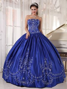 Royal Blue Ball Gown Strapless Sweet 15 Dress with Embroidery
