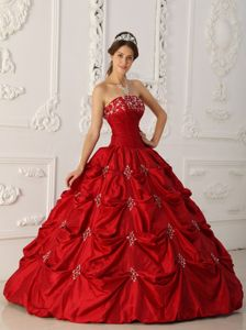 Wine Red Strapless Quinceanera Dress in Floor-length with Appliques
