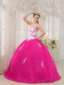 White and Hot Pink Sweetheart Sweet Sixteen Dresses with Appliques