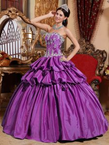 Strapless Floor-length Taffeta Quinceanera Dresses with Appliques