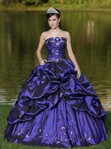 Purple Floor-length Taffeta Quinceanera Dresses with Pick-ups