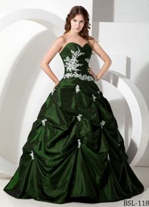 Dark Green Quinceanera Dresses with Appliques and Pick-ups