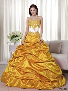 Sweetheart Golden Appliqued Quinceanera Dresses with Pick-ups