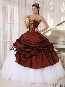 Taffeta and Tulle Wine Red and White Sweet 16 Dresses with Pick-ups
