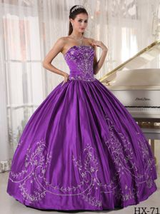Elegant Eggplant Purple Pleated Sweet 16 Dresses with Embroidery
