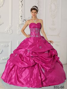 Hot Pink Sweetheart Sweet 15 Dresses with Appliques and Pick-ups