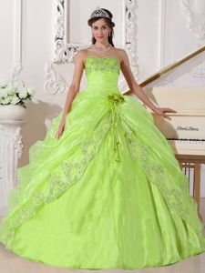 Beautiful Appliques Yellow Green Dress for Sweet 15 with Lace Hem