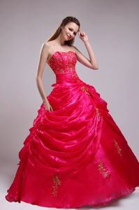 Red Ball Gown Quinceanera Dresses Appliques with Pick-ups