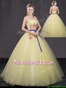 Super Tulle Strapless Sleeveless Lace Up Appliques Ball Gown Prom Dress inYellow