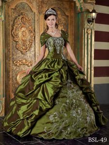 High-Class Taffeta Olive Green Sweet 15 Dresses with Embroidery