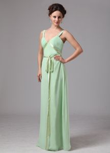Apple Green V-neck Chiffon Quinceanera Dress for Dama with a Sash