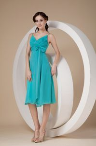 Turquoise Knee-length Dama Dress with a Bow and Spaghetti Straps