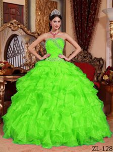 Chic Spring Green Ruffled Quinceanera Gowns with Beading Waist
