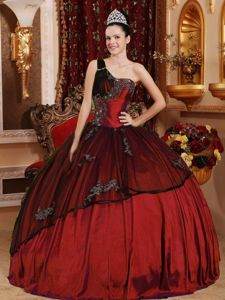 Modest Rust Red One Shoulder Quinceanera Gowns with Appliques